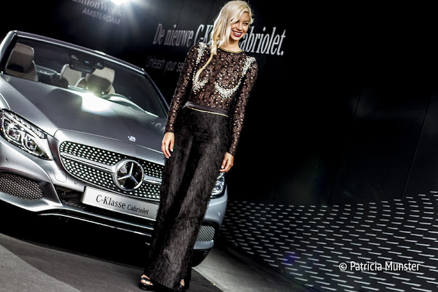Lynn Quanjel in front of Mercedes-Benz C-klasse Cabriolet at Fashion Week Amsterdam