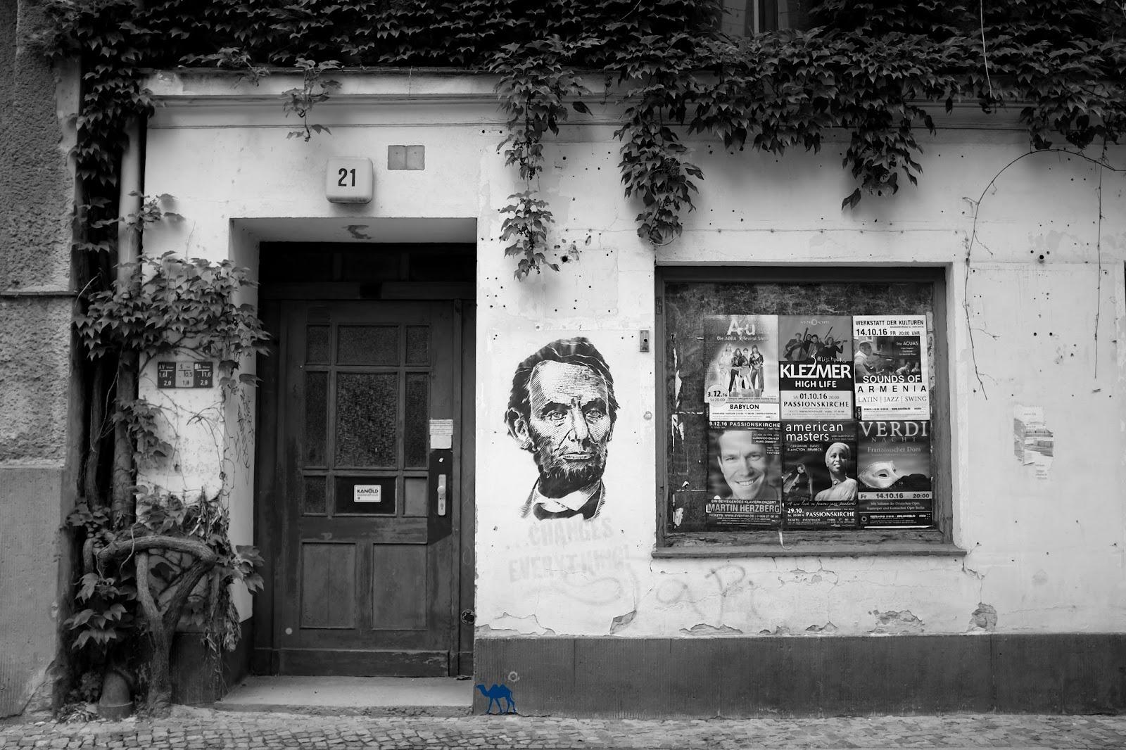 Le Chameau Bleu - Abraham Lincoln - Street Art