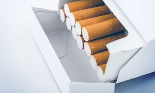 Di akhir tahun ini banyak yang bingung dengan harga rokok yang kabarnya akan naik. Berikut ini daftar harga rokok di tahun 2020 terbaru.