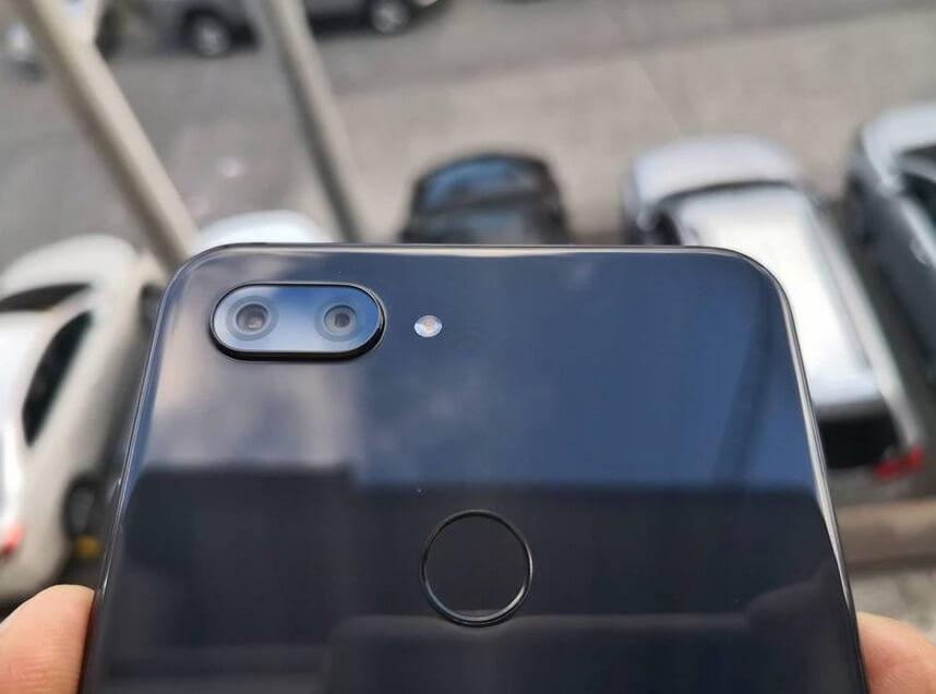 Xiaomi Mi 8 Lite Dual Rear Cameras