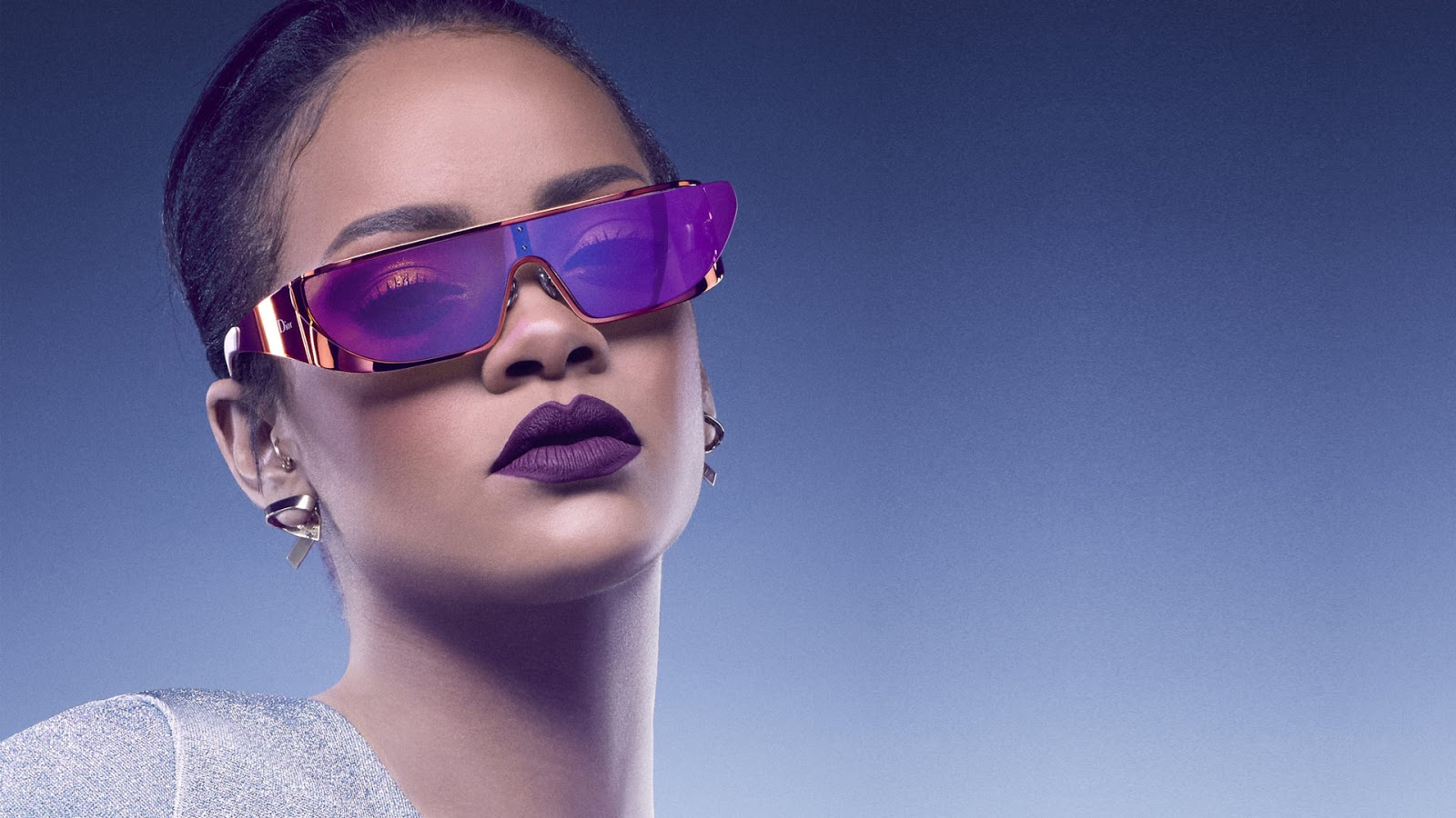 Eniwhere FAshion - Dior - Rihanna