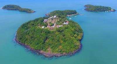 îles du Salut vue aérienne : île du Diable, île Royale, île Saint-Joseph en Guyane