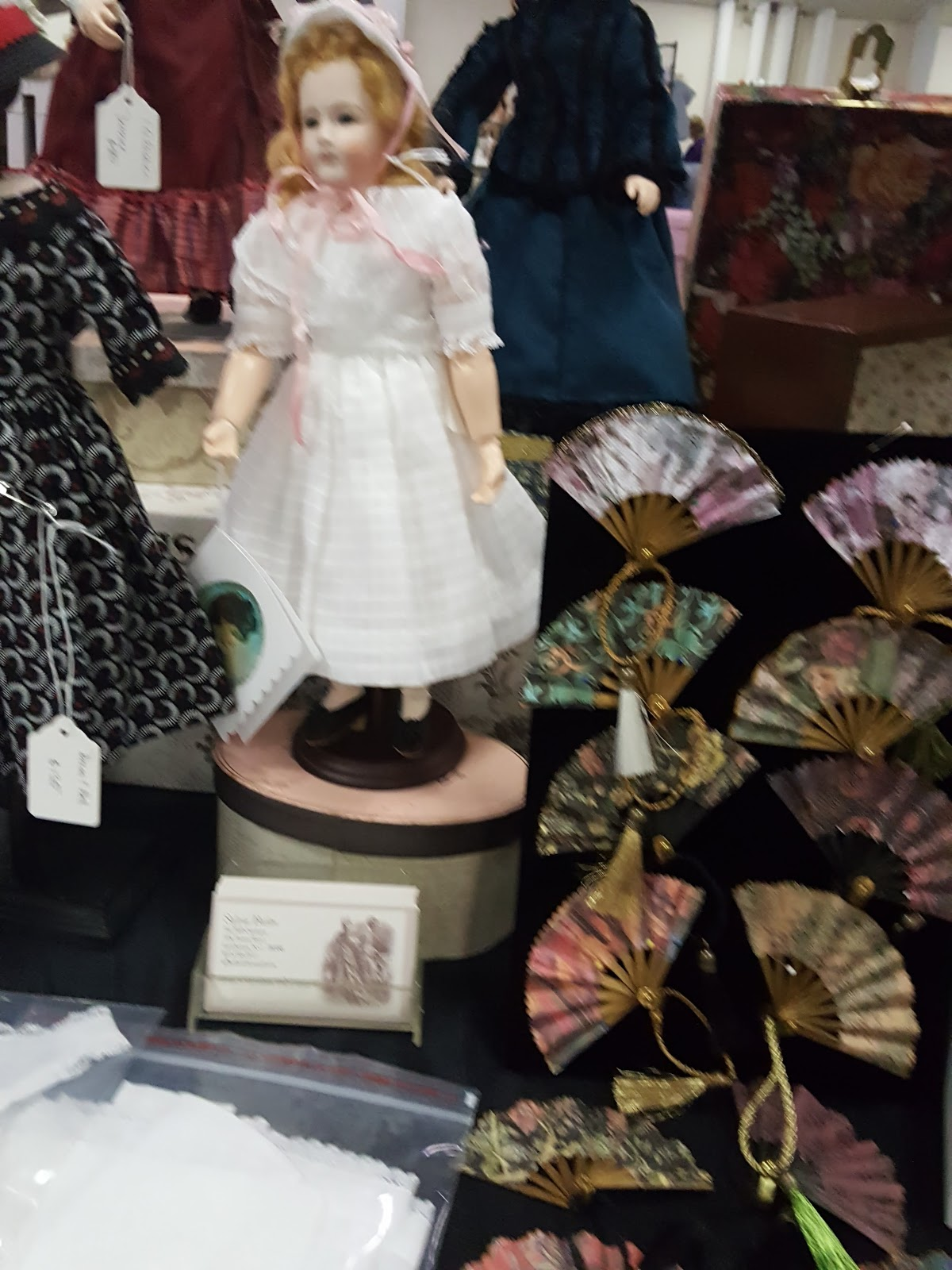 The One Sixth Scale Dollhouse: FS: Selling some of my