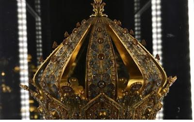 سرقة تاج مريم العذراء من متحف فورفيير للفنون الجميلة بفرنسا بعد الاحتفاظ به لمدة 118 عاما