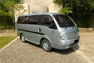 Sewa Mobil Kia Pregio atau Travello di Padang