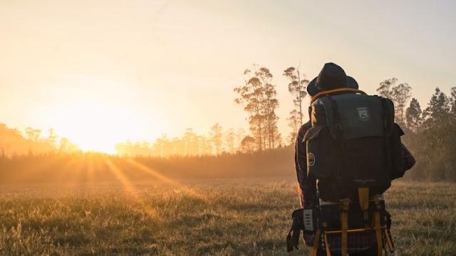 5 Manfaat Kalau Kamu Sering Traveling Sendirian. Serius Deh, Ini Berguna Buat Masa Depan!