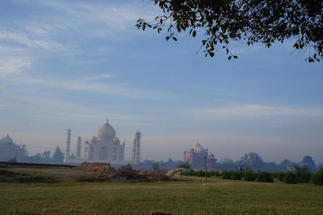 Menikmati Mehtab Bagh dan Taj Mahal, Agra, India