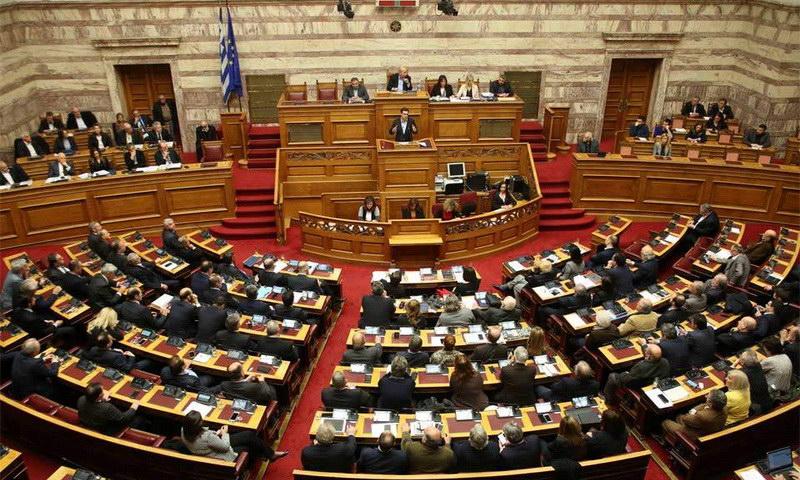 Με 153+1 βουλευτές υπερψηφίστηκε το πολυνομοσχέδιο