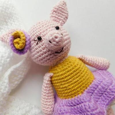 Свинка Розочка крючком