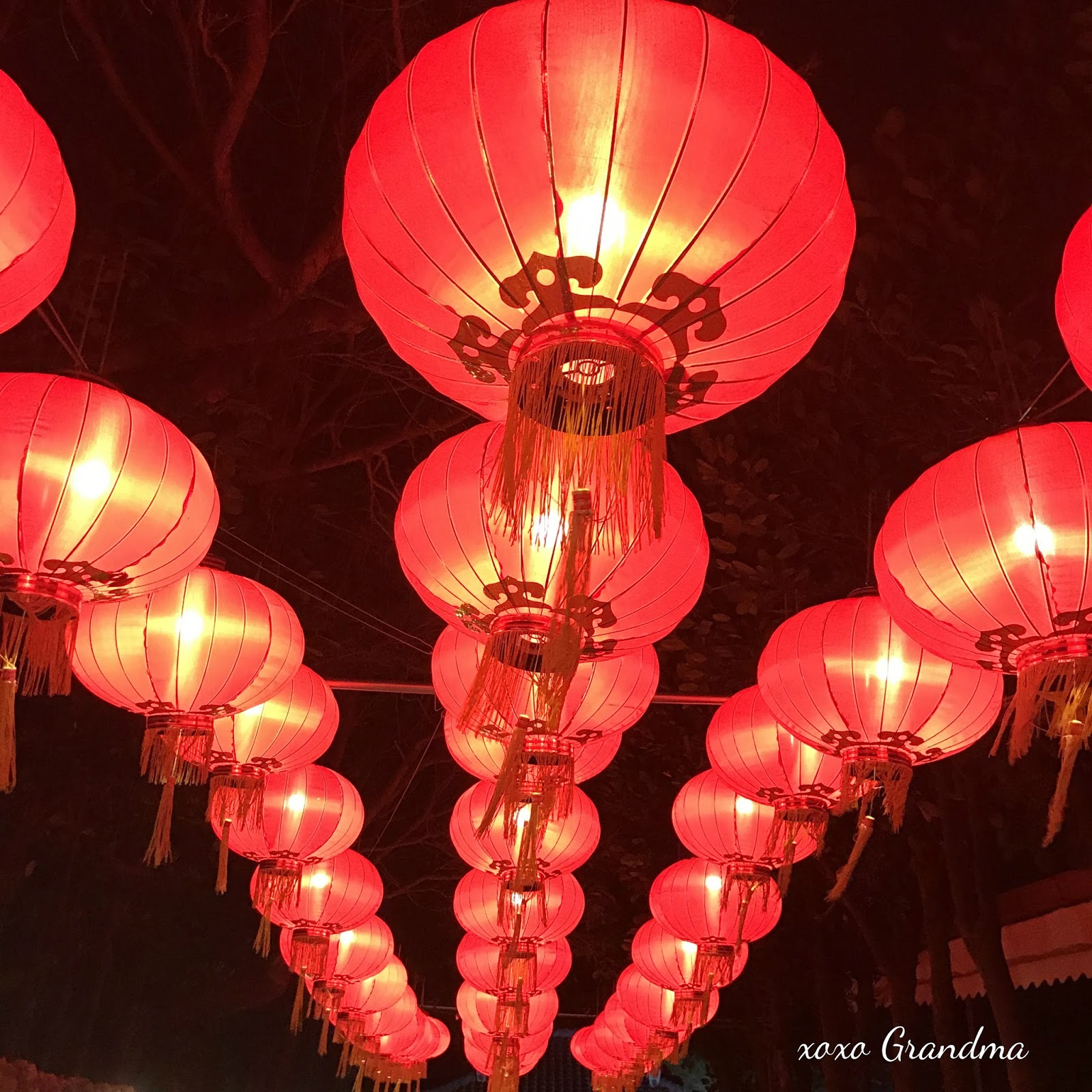 How to make a paper lantern display