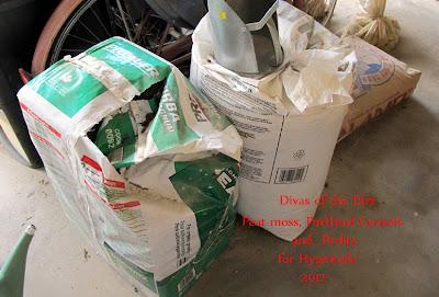 Divasofthedirt,peat,perlite,portland cement