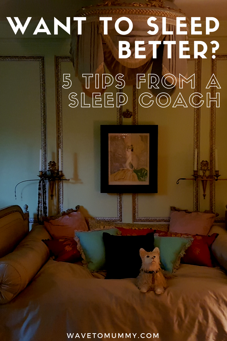 How to sleep well - 5 tips from a sleep coach! Do you have trouble falling asleep? This post gives several tips for a better sleep and how to install a good pre-sleep routine to help you sleep better.
