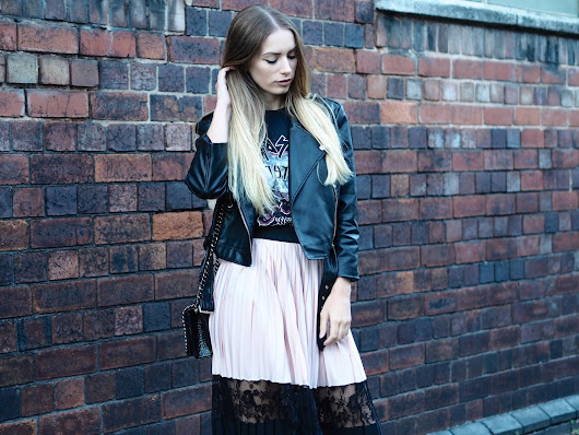 HOW TO TOUGHEN UP THE PLEATED MIDI SKIRT