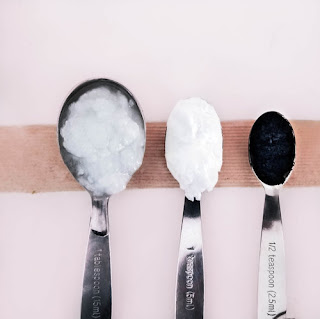 ingredients to prepare activated charcoal toothpaste