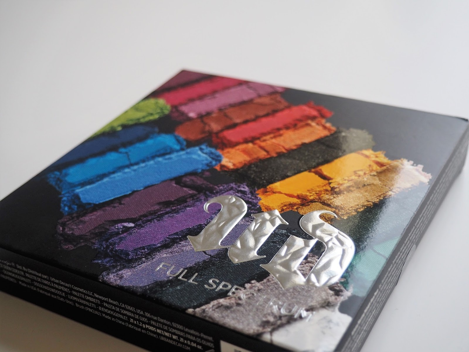 Urban Decay Full Spectrum eyeshadow palette box