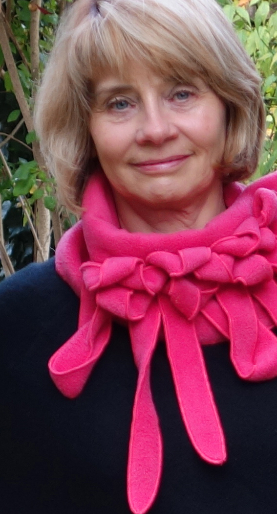 Scarf in fuchsia by Rew, UK