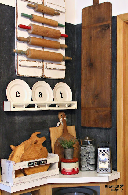DIY Farmhouse Kitchen Decor #upcycle #repurpose #stencil #cuttingboard #rollingpin