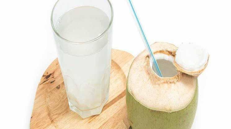 Manfaat Air Kelapa bagi Kesehatan Kulit