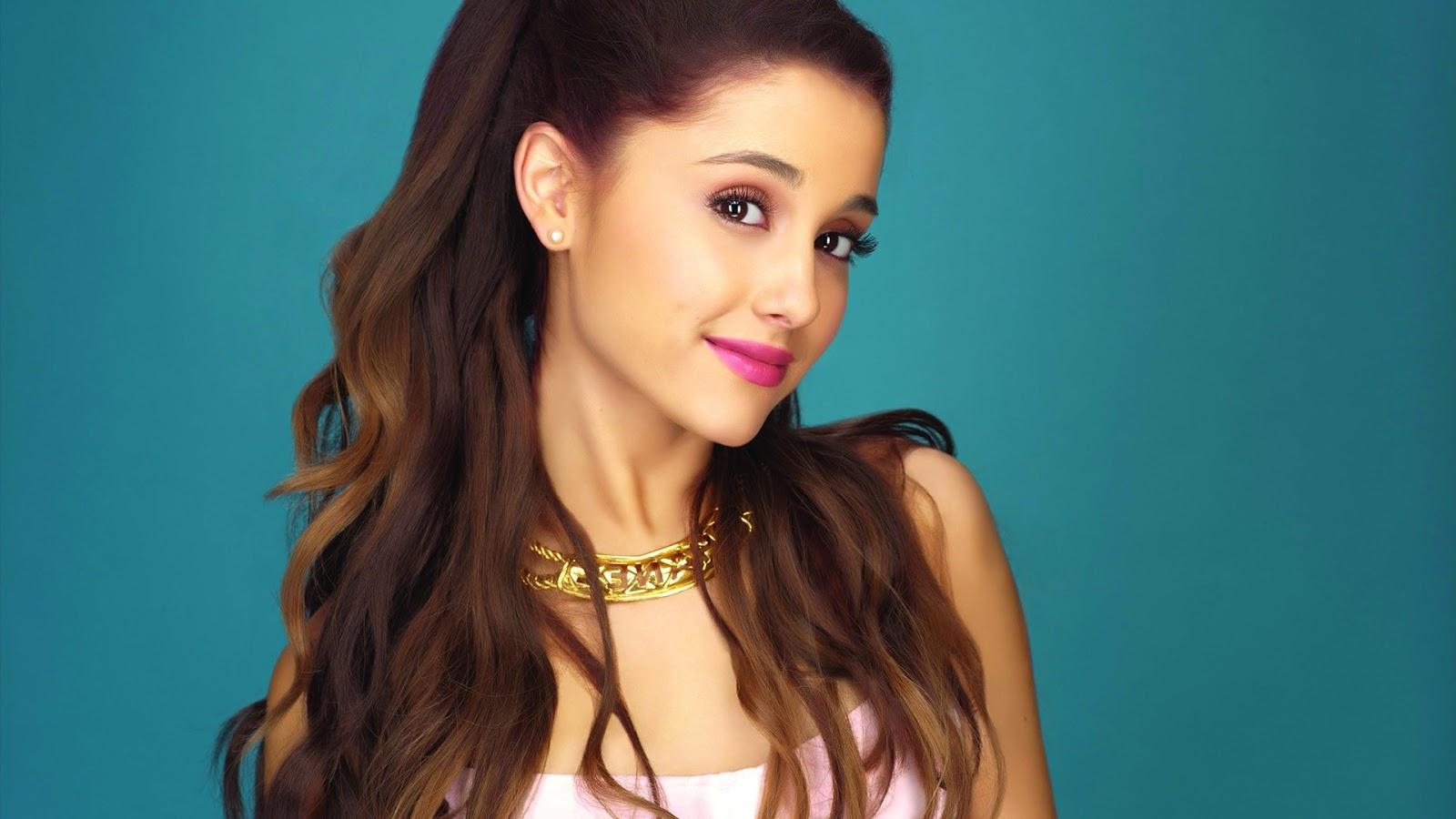Singer Ariana Grande Wallpaper
