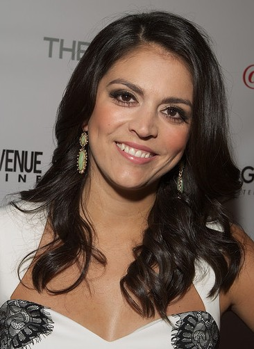 Cecily Strong
