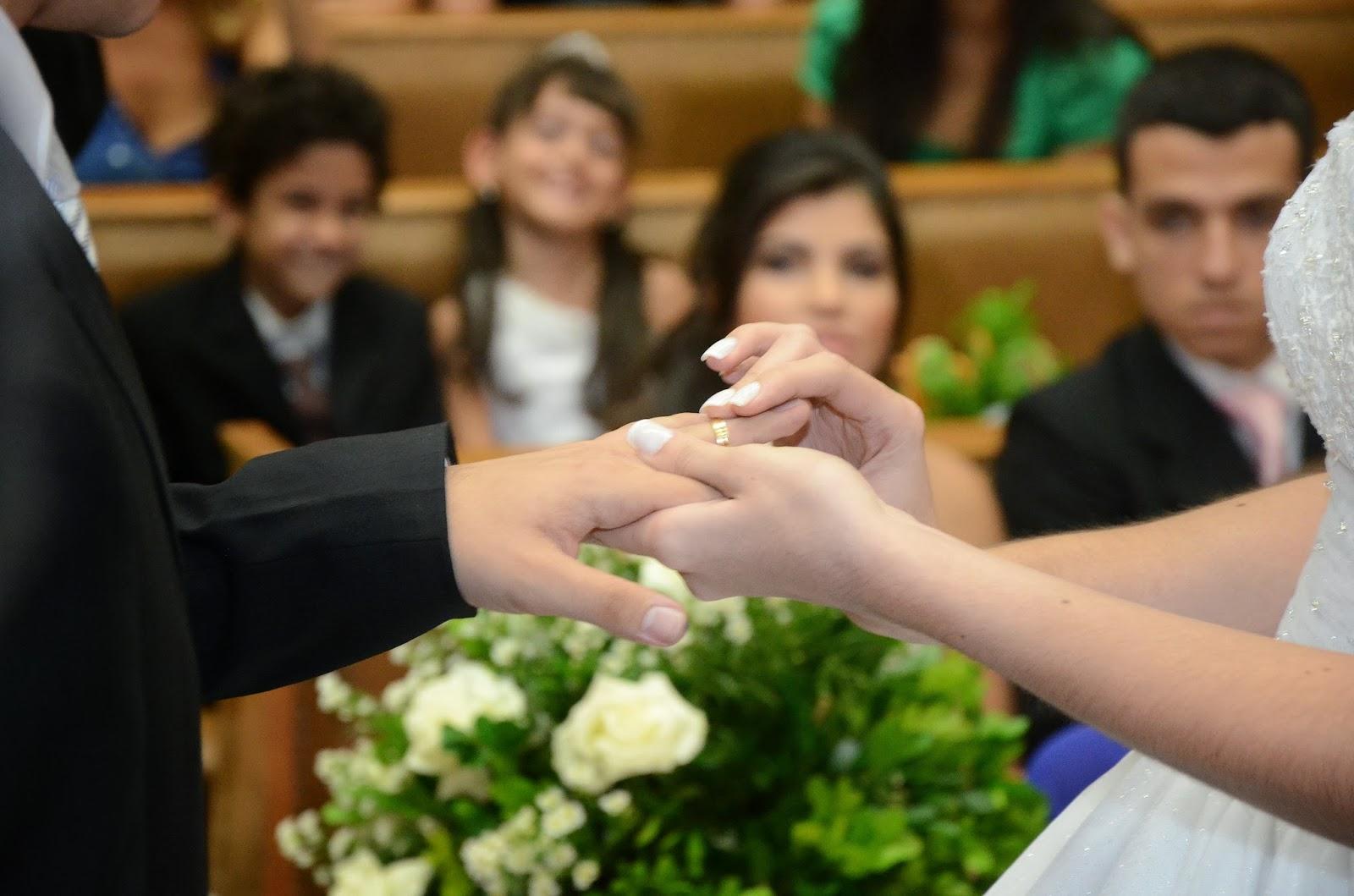 cerimônia - altar - alianças - troca das alianças