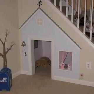 Debajo de la escalera no se que poner decoraci n for El de debajo de la escalera vino