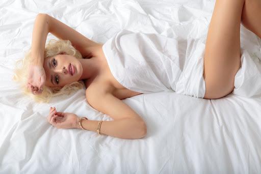 Bella Thorne topless photo shoot for Harper's Bazaar April 2017 issue