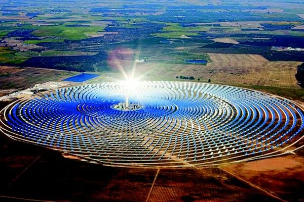 largest concentrated solar power plant in the world