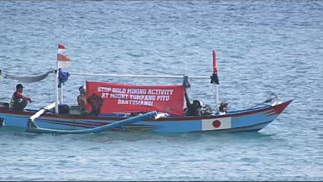 Nelayan Lintasi Pantai Mustika dan Pulau Merah Suarakan Penolakan Tambang Emas Tumpang Pitu.