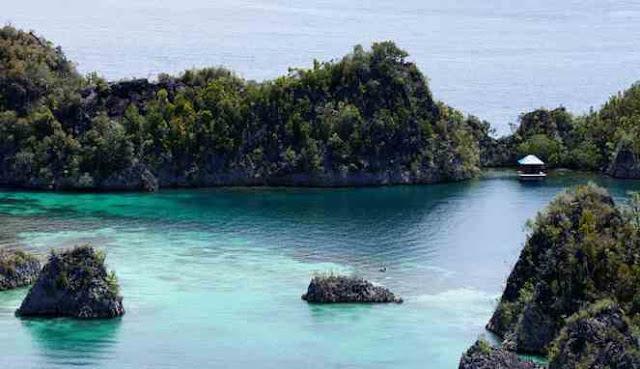 Keindahan alam Pulau Raja Ampat