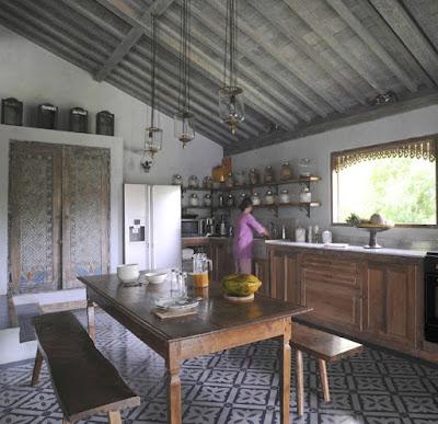 Desain Dapur Mewah Bera Traditional