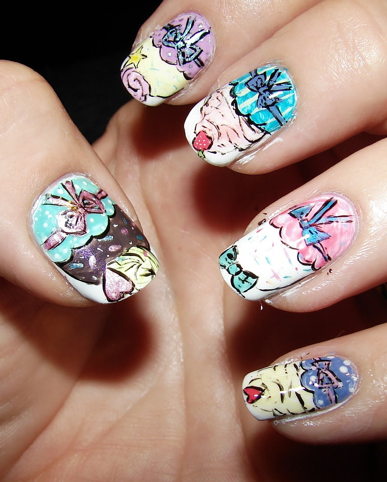 Kawaii Nail Art: Cupcake nail art - illustration style