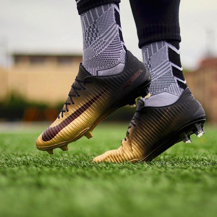 Cách chọn giày đá bóng vừa size với chân bạn !
