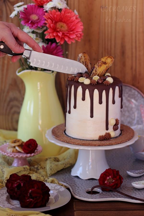 Drip Cake de Plátano y Tres Chocolates