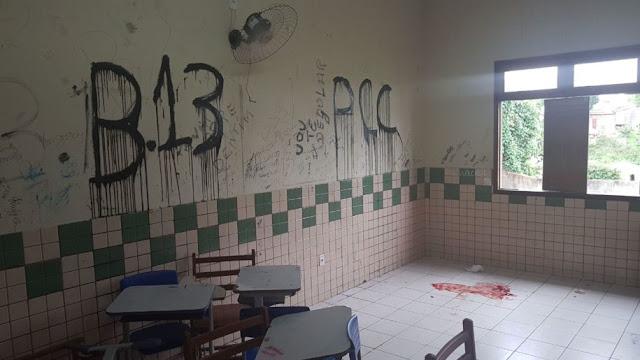 """Em Sena Madureira, bandidos entram em escola e atira na cabeça de aluno ainda escreve na parede """"B13"""" e """"PCC"""" na sala de aula"""