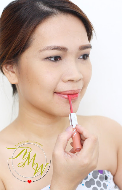 a photo of Nikki Tiu AskMeWhats wearing Etude House Twin Lipx x Tint Twin Shot (Mug x Chai Shot) BR401