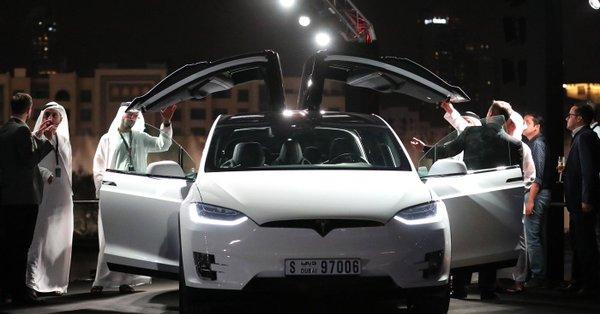 Tesla se convierte en la fabricante más valiosa en EEUU