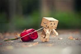 Puisi Mencoba menata Hati  Ingin kembali  menata hati  setelah sekian lama  ku berlari   ingin kembali  mendengar nurani  setelah lama  ku tak peduli   palingkan wajah  dari ramai bumi  abaikan sejenak  kejaran-kejaran duniawi   sambangi jiwa yang  lagi merana  tertatih-tatih dalam  sakitnya  terajam oleh nafsu dunia  tersiksa dalam kejaran semu nya   coba kembali  palingkan hati  pada cermin  pantulan ilahi  bersihkan karat  juga noda jiwa  biar cermin  kembali bercahaya  memantul wajah sempurna  iradah Sang Pencipta   Oleh : https://www.facebook.com/nurwidhy?fref=ts