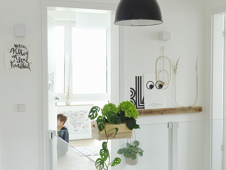 Flur im skandinavischen Stil mit Industrial Elementen | Fotoaktion #12von12 | 1 Tag in 12 Bildern | https://mammilade.blogspot.de