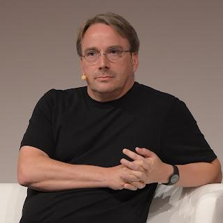 Tokoh-Penting-Di-Balik-Sistem-Operasi-GNU-Linux