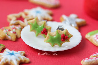 Mistletoe Cookie Earrings / Boucles d'Oreilles Biscuits Gui