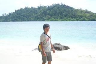 view pulau pamutusan padang sumatera barat