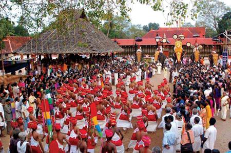 Kerala, News, Kasargod, Nileshwaram, Nileshwaram Kadinjikkadav Aryakkara Bhagavathi Temple Pattulsavam starts on 16.