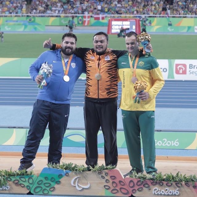atlet malaysia menang pingat emas paralimpik di rio 2016