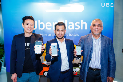 Source: Uber. From left: Warre​n Tseng, GM of Uber Singapore and Malaysia, Wan Md Hazlin Agyl Wan Hassan, Head Taxi, SPAD, Dato' SM Shalahuddin SM Amin, President, Gabungan Pe​ngusaha Teksi Semanjung.