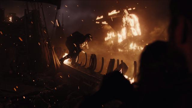theon greyjoy jumping off the ship