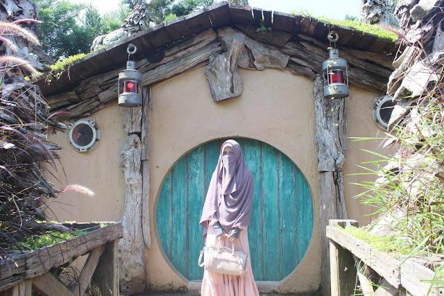 rumah hobbit farm house susu lembang