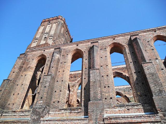 Gubin, fara, mury, architektura kościołów