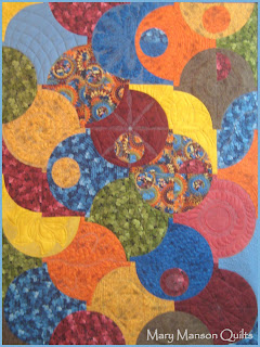 Circles Quilt - Heavily Machine Quilted - www.MaryMansonQuilts.blogspot.com