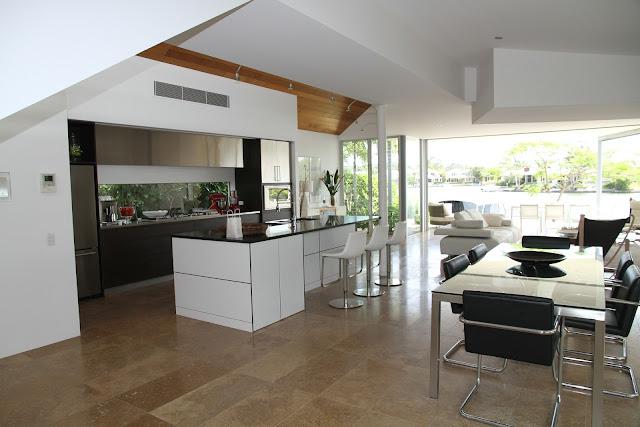 Dlažba je oblíbenou podlahou v kuchyni